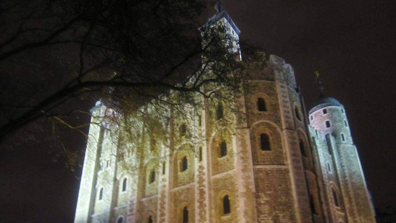 haunted tower of london night view