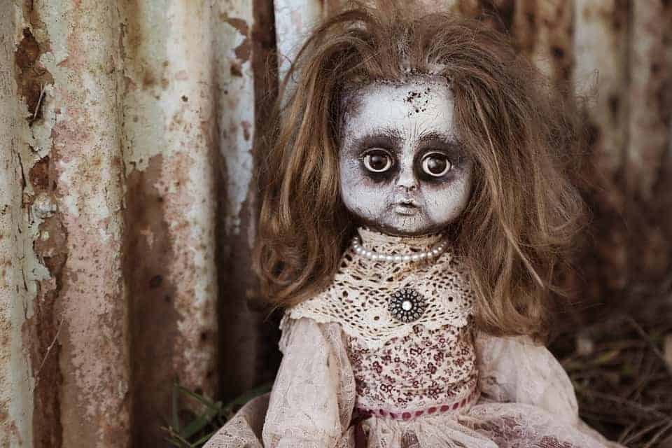 Teenager Fell in Love with a Creepy Zombie Doll